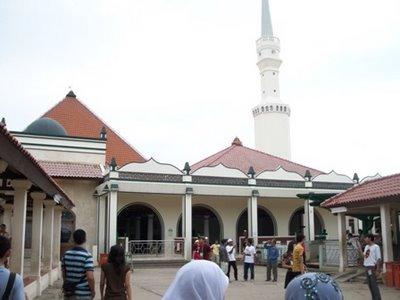 10 Foto Masjid Keramat Luar Batang Jakarta Utara, Rute Ke Lokasi Sekarang + Sejarah